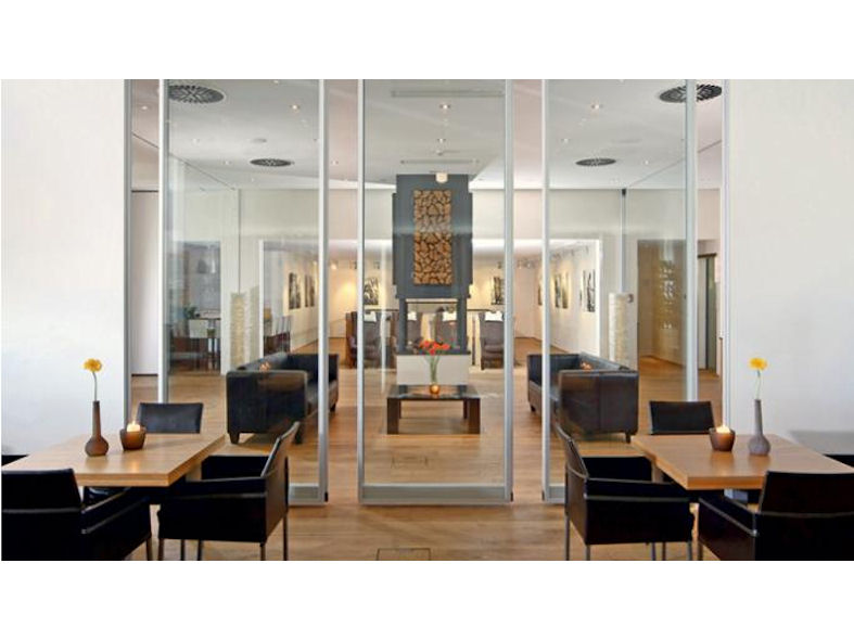 Dorma moveo glass movable walls designcurial for Movable glass wall systems