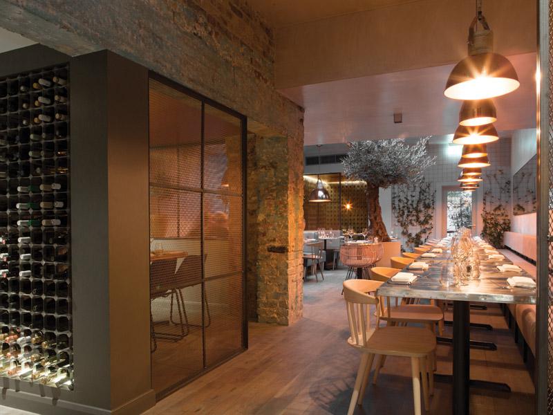 Kinnersley kent design adds warmth to bandol restaurant chelsea