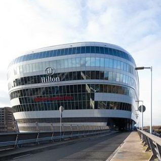 Hilton hotels opens two new hotels in the squaire in for Frankfurt design hotels